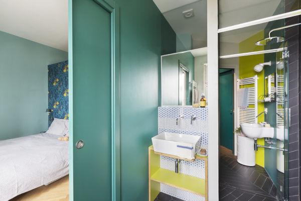 A casa brescia unduo valorizza il panorama i colori e i tagli