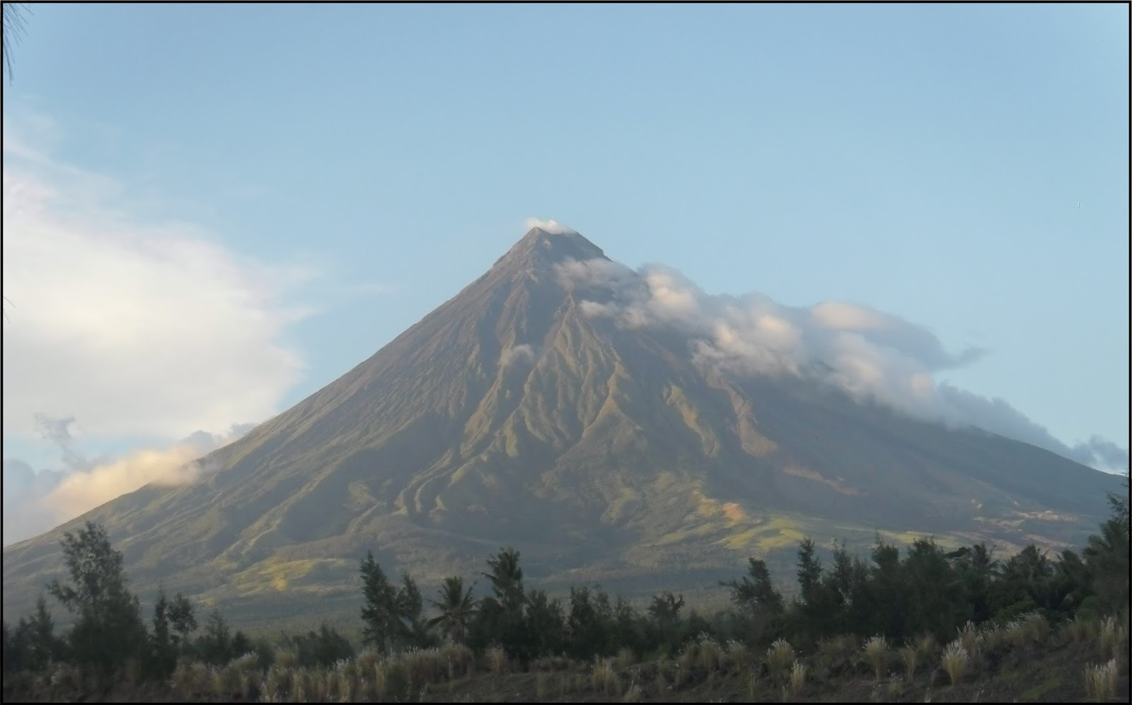 A GLIMPSE OF NATURAL BEAUTY OF ALBAY - Isla Story