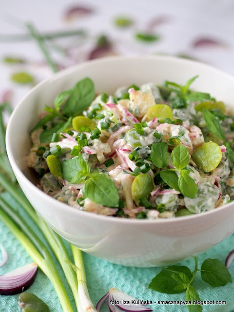 salatki, grill, ziemniaki, bob, sos jogurtowy, grillowanie, salatka kartoflana, salatka z ziemnakow i bobu, danie na lato