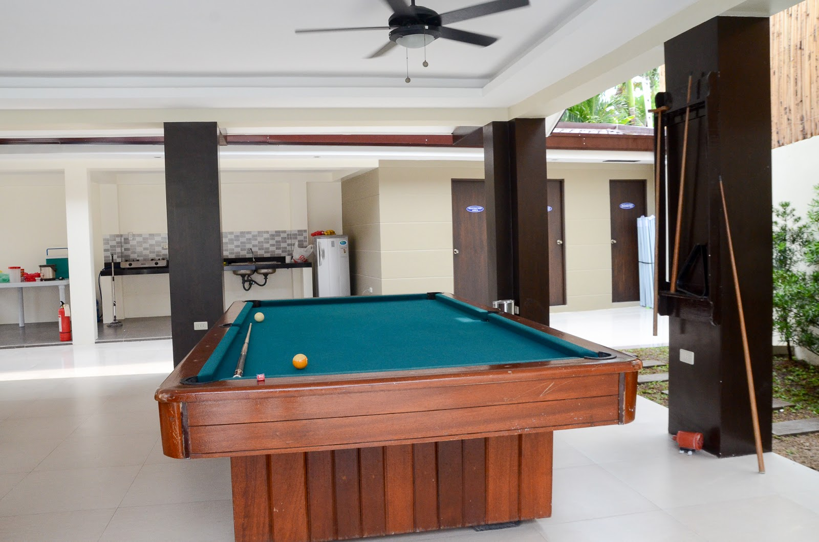 Billiard area