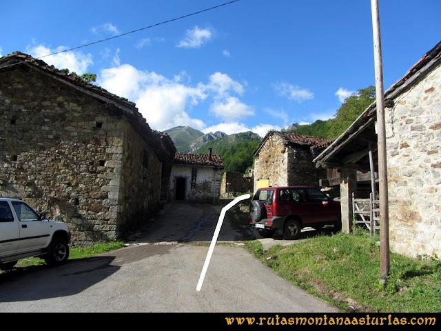 Ruta Lindes - Peña Rueda - Foix Grande: Saliendo de Lindes
