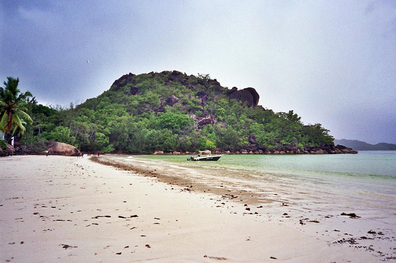 anse volbert  baie sainte anne  seychelles   u2013 mundandy