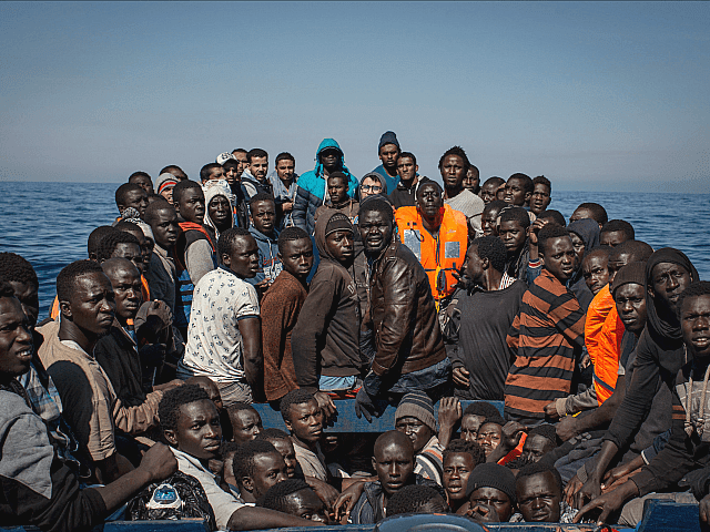 Italy-Migrant-Boat-640x480.png