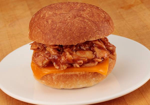 HEALTHY AND DELICIOUS BBQ CHICKEN SANDWICH