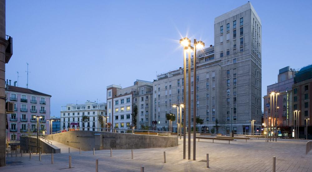 Cascotes 384 la plaza de santo domingo madrid - Arquitectos de madrid ...