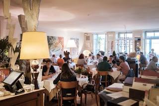 4. Restaurant De L'hôtel De Ville - Crissier, Switzerland, $ 415 Per Kepala