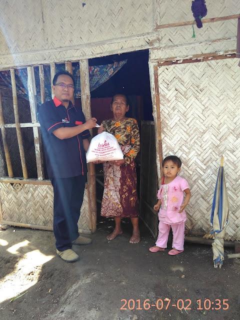 Pentasyarufan Paket Sembako untuk Jompo Dhuafa di Pakusari 2