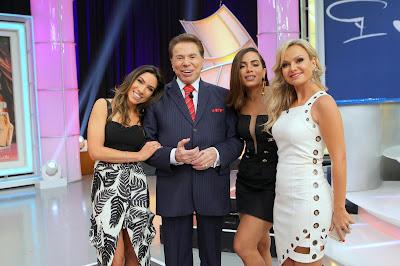 Na foto: Especial de Ano Novo, na ordem, Patricia Abravanel, Silvio Santos, Anitta e Eliana. Crédito: Lourival Ribeiro/SBT