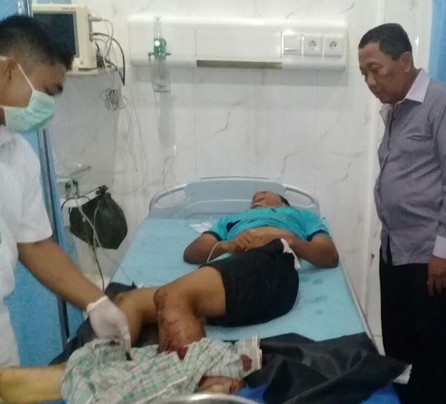 Korban yang disambar kereta api di Perdagangan saat mendapatkan perawatan medis.