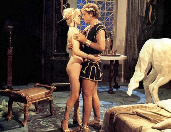 Нарезки из итальянской эротики классического кино, фото негра старика