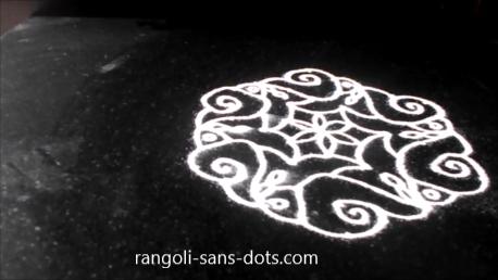 9-dot-tipke-wali-rangoli-1i .png