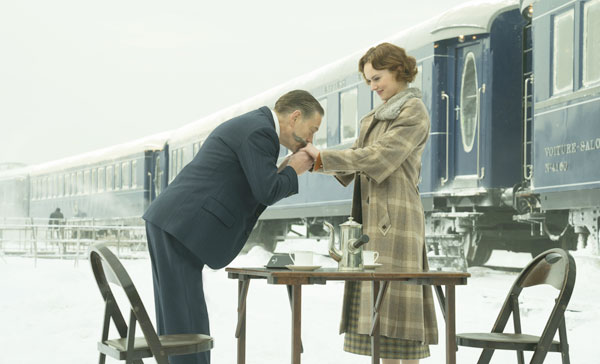 Hercule Poirot (Kenneth Branagh) and Mary Debenham (Daisy Ridley) in MURDER ON THE ORIENT EXPRESS (2017)