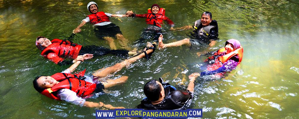 seru aktivitas body rafting di citumang green valley pangandaran