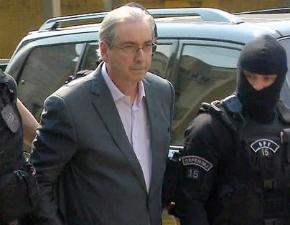 Após transferência para presídio, Cunha ameaça fazer delação