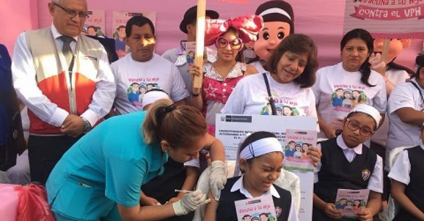 MINEDU: Más de 780 mil escolares serán vacunadas para prevenir cáncer del cuello uterino - www.minedu.gob.pe