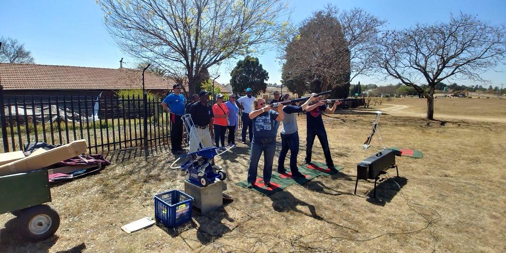 Team Building Activities By TeamBuilding fm: Laser Sport
