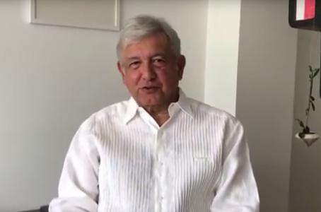 """Andrés Manuel López Obrador... Como siempre que lo cachan en sus transas, quita la mano y dice: """"Yo no fui, fue Teté""""."""
