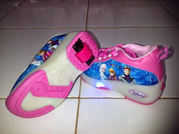 Sandal dan Sepatu Lampu untuk Anak-Anak Berkarakter ...