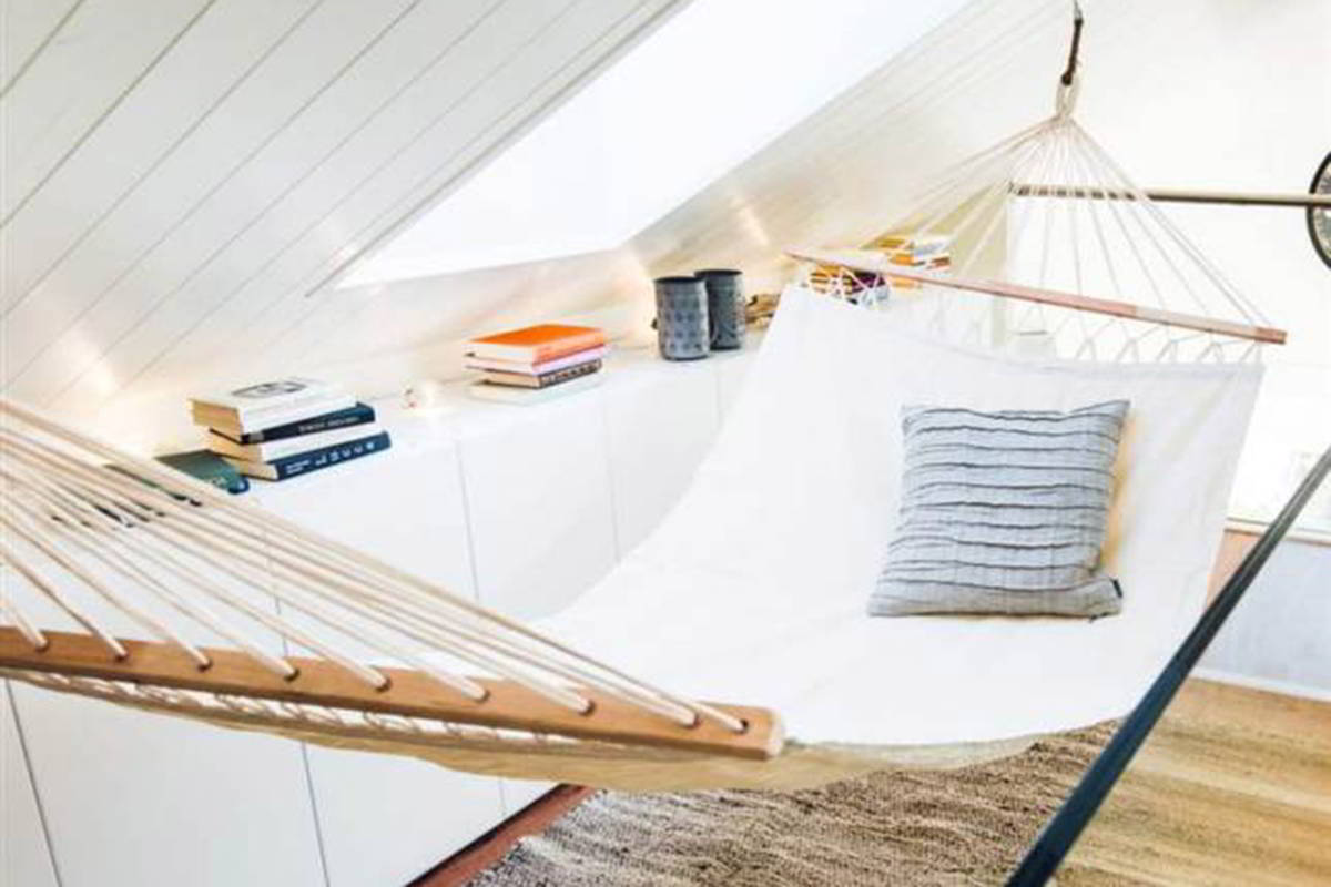 Hammock instead of a bed - At The Point When Not Used For Resting You Can Utilize Your Hammock To Store Additional Pillows Covers Garments Or Other Delicate Things