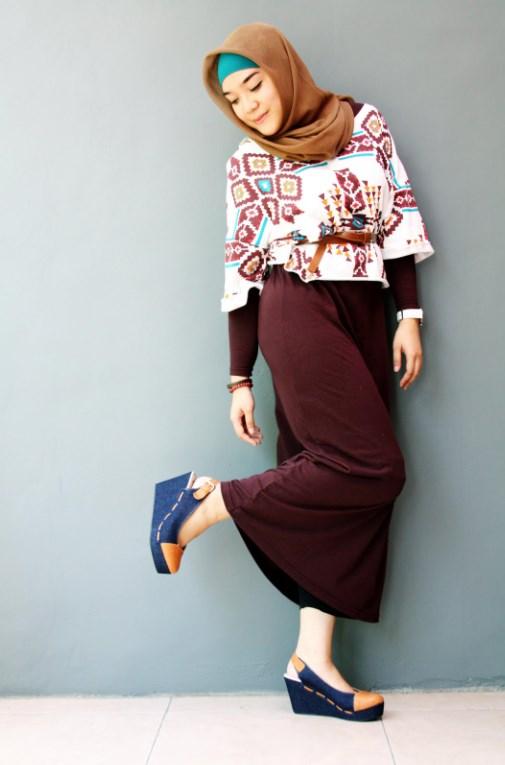 model IGO konsep foto hijab dalam ruangan dengan tips sederhana ligthing acara resmi