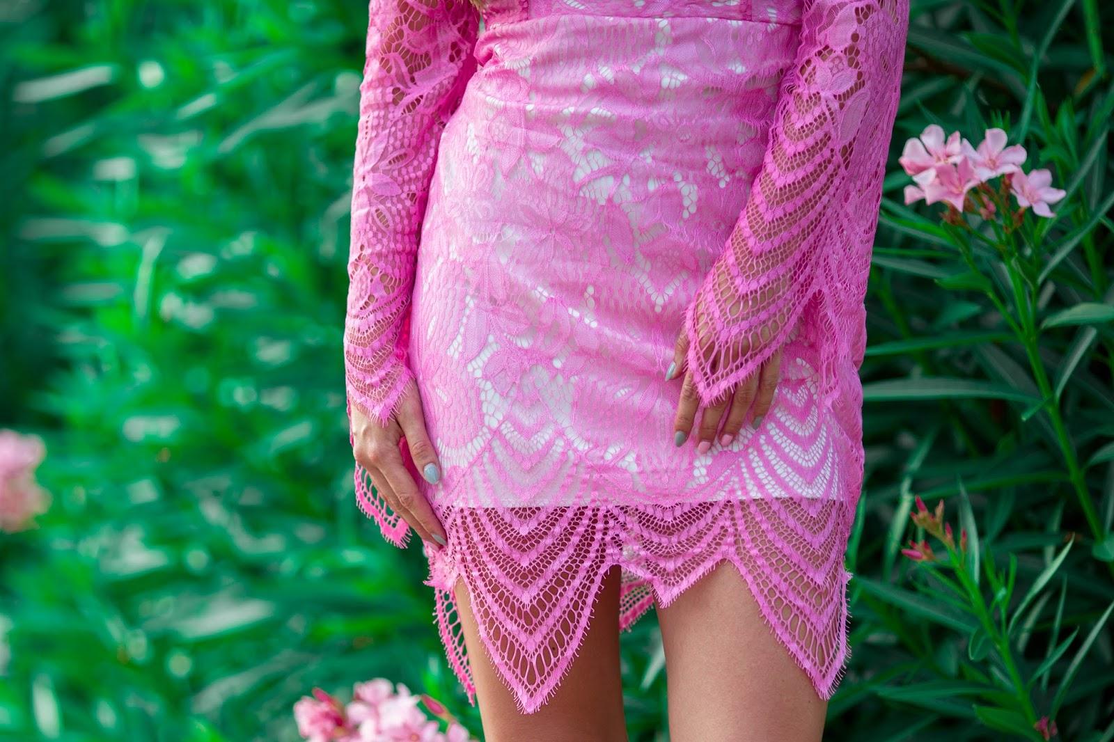 178c7dec54c5d3 Różowa koronka totalnie mnie urzekła i kolejny sezon letni sukienka  koronkowa jest moim totalnym must have. Jestem ciekawa czy też zgadzacie  się ze mną, ...