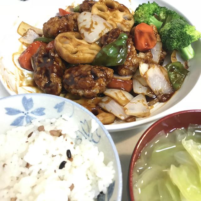 ローソンフレッシュピックを利用して注文した酢豚の料理の写真です。