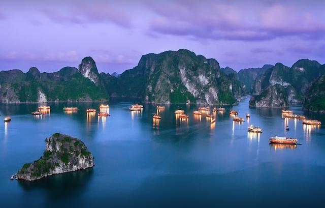 Beautiful Ha Long Bay