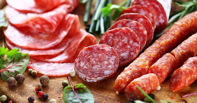 اللحوم المصنعة اغذية غير صحية