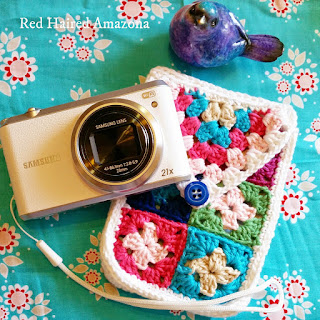 http://redhairedamazona.blogspot.com.au/2015/03/mini-granny-square-camera-case.html