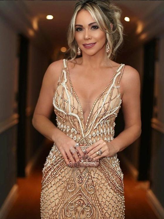 9230903a7 Layla Monteiro ecolheu um vestido Patricia Bonaldi e divou! Acho  impressionante como a Layla tem bom gosto para se produzir para festas,  sempre gosto de ...