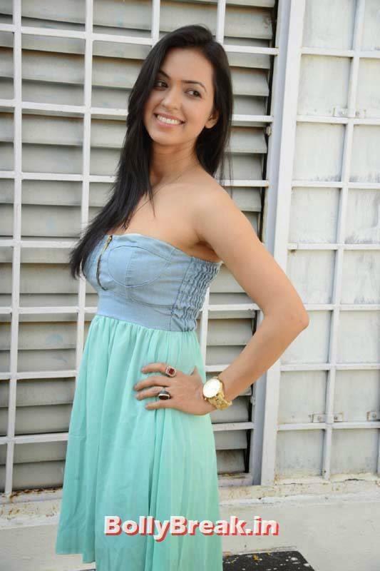 , Actress Neha Seraa Without sleeve Dress Hot Photos
