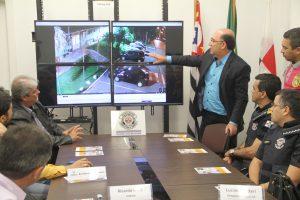 Prefeitura de Vinhedo conhece sistema que possibilita o monitoramento da cidade por câmeras com sistema compartilhado