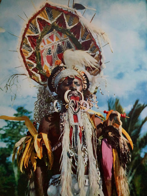art océanique oceanic Musique traditionnelle de Papouasie Nouvelle Guinée tribal shaman magic ceremony trance ritual spirits ancestors