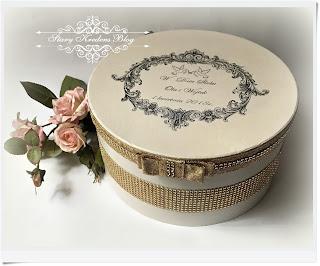 Pudełko na prezenty – ecru i złoto – glamour.