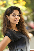 Karuna photos in jeans-thumbnail-19