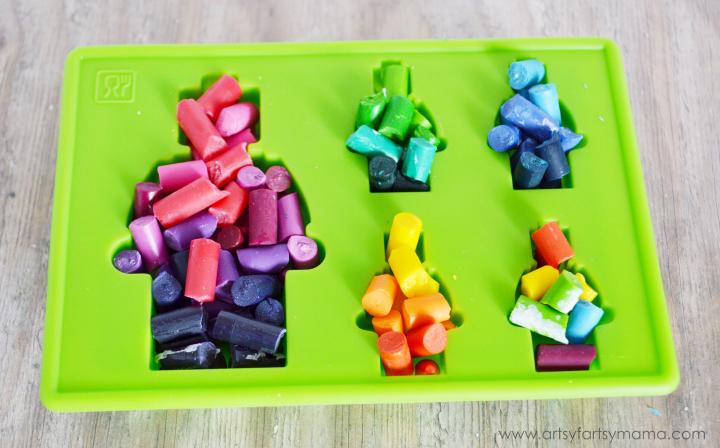 DIY Lego Crayons at artsyfartsymama.com #giftidea #LEGO