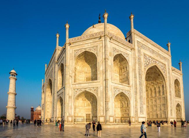 A sideshot of Taj Mahal