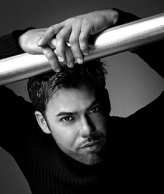 Foto de Rogelio Mártinez con mirada matadora