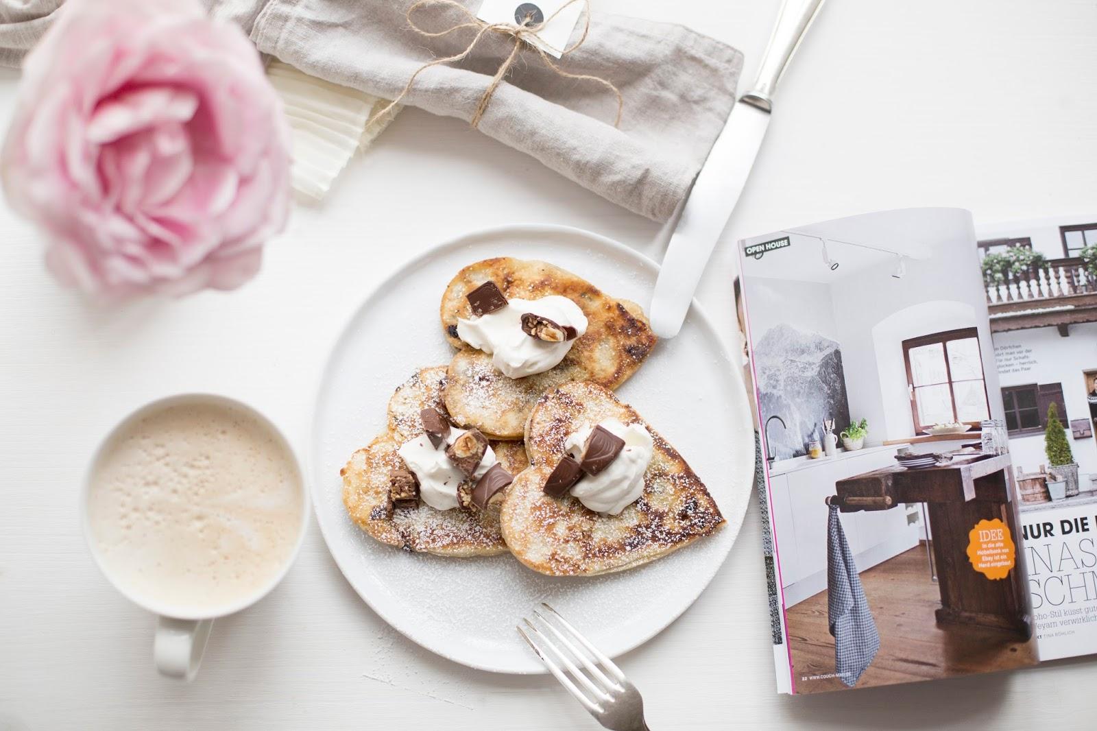 Schoko Haselnuss Pancakes in Herzform