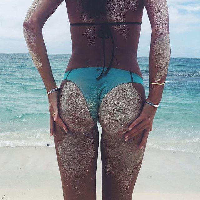 Vanessa Martins Looking Sexy in Bikini