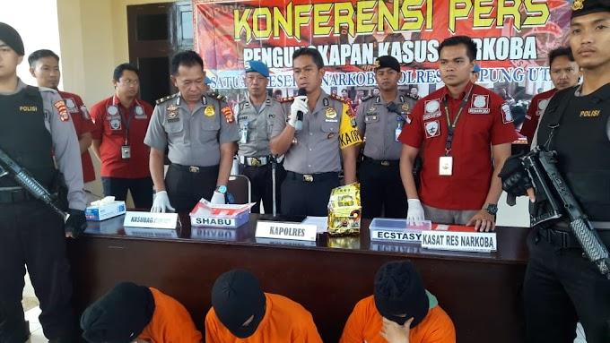 Gagalkan Aksi Pencurian Motor, Kapolres Lampung Utara Beri Penghargan Kepada Ibu Masliha