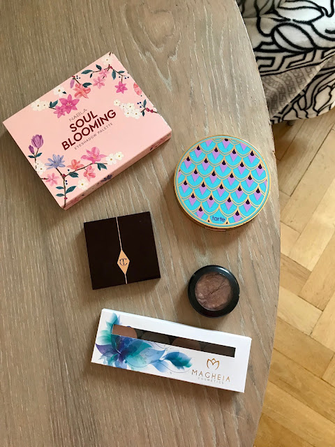 DramaTag: Five Powder Eyeshadow for a Quick Look