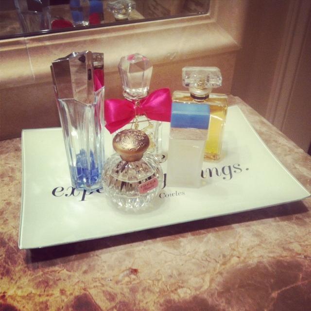 The Peak Of Très Chic Kitchen Light: The Peak Of Très Chic: Pretty Organization: Perfumes