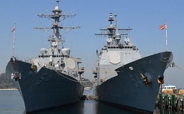 Tàu chiến Mỹ đi qua eo biển Đài Loan hồi tháng 10