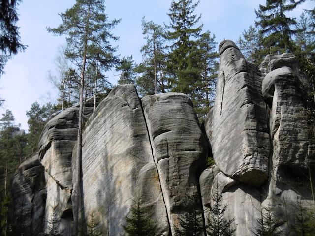 Odwiedziny u czeskich sąsiadów, czyli wizyta w Adršpašskich skálach (Adrszpaskim Skalnym Mieście)