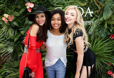 Victoria Justice, Yara Shahidi and Peyton List appear together and very charming in the fashion booth PopSugar portal during Coachella 2017