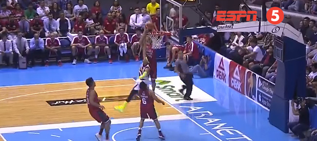 Japeth Aguilar with the MONSTER Slam On Arwind Santos (VIDEO)