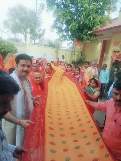 माँ बीजासेन देवी के श्री चरणों में समर्पित हुई 151 मीटर की चुनरी | Pichore News