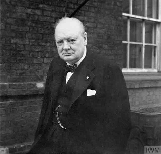 Winston Churchill outside 10 Downing Street, 21 November 1941 worldwartwo.filminspector.com