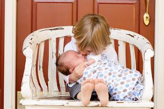 Anak Meniru Perilaku Orang Yang Paling Dekat Dengan Mereka